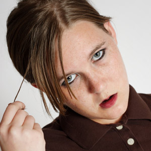 Symptoms of head lice in Childrens